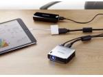 PicoPix PPX4010 - rôzne prevodné káble umožnia ho pripojiť k širokému sortimentu prenosných prístrojov