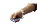 Vreckový projektor PPX4350 sa pohodlne zmestí do dlane.